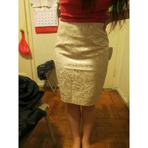 F21 white and cream pencil skirt size 2